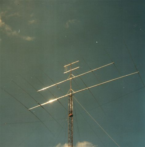 5el_yagis_tower_1985